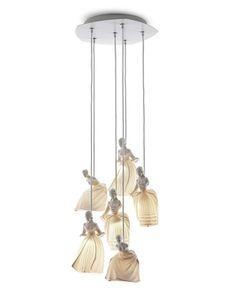 Светильники фабрики Carlesso могут стать настоящим артистическим центром интерьера, благодаря необычному дизайну и исполнению.