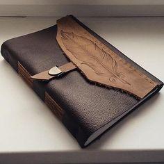 Kožený zápisník A5 s brkom / soft book / handmade / bookbinding / Ľubica Kováčová / Leather / journal / http://www.ardeas.sk/