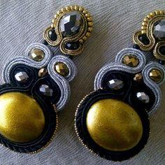 #angelyezenwaku #colorblocking #gold #silver#black #embroidery #handmade