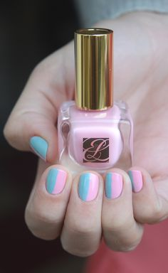 Parted Pastel mani