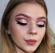 NEW VIDEO ON MY YOUTUBE✨ Its a tutorial on this makeup look. Go check it out and show it some loveLink in bio ____ DETAILS: ▫️ @anastasiabeverlyhills Modern Renaissance Palette Buon Fresco, Love Letter, Cyprus Umber, Vermeer; ▫️ @urbandecaycosmetics Heavy Metal Glitter Liner in Glamrock; ▫️ @houseoflashes Iconic Lahses ▫️ @anastasiabeverlyhills Crush Liquid Lipstick ▫️I used @morphebrushes to achieve this look✨ _____ #anastasiabeverlyhills #modernrenaissance #brian_champagne…