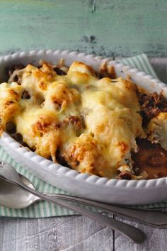 Spicy minced meat casserole with cauliflower Do you decide on canned meals or dry food items? Rice Recipes For Dinner, Ground Beef Casserole, Evening Meals, Ground Beef Recipes, Food Items, Macaroni And Cheese, Stuffed Peppers, Cooking, Ethnic Recipes