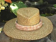 Follow these simple step-by-step instructions to weave a lauhala hat perfect for the beach.