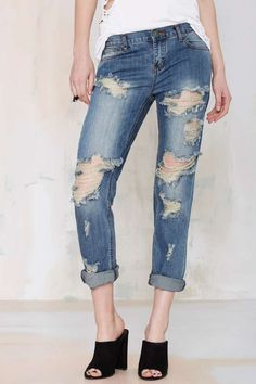 i just love a good pair of destroyed boyfriend jeans