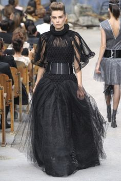 Fashion Show Chanel Paris - Fall Winter 2013-14 #dress #black