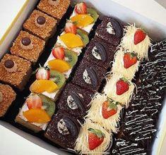 Cookie Recipes From Scratch, Healthy Cookie Recipes, Brownie Desserts, Cookie Bar Wedding, Wedding Cookies, Cake Mix Recipes, Dessert Recipes, Coconut Dessert, Dessert Platter