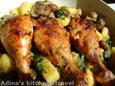 Reteta culinara Copanele de pui cu lamaie si cartofi cu ciuperci calite din categoria Pui. Specific Romania. Cum sa faci Copanele de pui cu lamaie si cartofi cu ciuperci calite