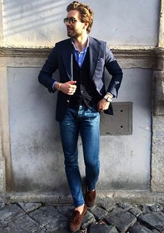 【秋】紺ダブルジャケット×ブルージーンズの着こなし(メンズ) | Italy Web