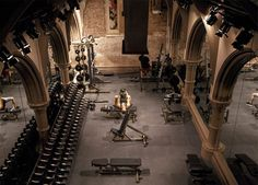 DAVID BARTON GYM - LIMELIGHT (NEW YORK, NY) David Barton gyms are notoriously kooky, and this one--housed in a former Episcopal church turned drug rehab center turned mega-nightclub (Limelight, anyone? Read more: 7 of the World& Academia Completa, Gym Center, Luxury Gym, Personal Gym, Gym Interior, Design Exterior, Home Gym Design, Outdoor Gym, Gym Room