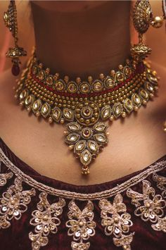 """Photo from The Paparazzo House """"Wedding photography"""" album Antique Jewelry, Gold Jewelry, Jewellery, Object Photography, Wedding Photography, Lehenga Wedding, Lehenga Saree, Wedding Preparation, Mehendi"""