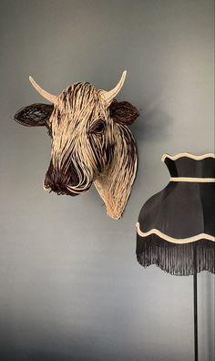 Life Size Willow Droimeann Cow Sculpture Traditional Baskets, Animal Sculptures, Weaving Techniques, Moose Art, Animals, Cow, Craft, Life, Sculptures