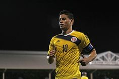 Colombia's midfielder James Rodriguez looks on during the friendly international football match between United States and Colombia at Craven Cottage in London on November 2014 James Rodriguez, Football Match, Football Soccer, That Look, How To Look Better, World Cup Teams, International Football, Victoria, Good Looking Men