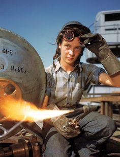 Winnie the Welder, uma das 2 mil mulheres que trabalharam em navios durante a Segunda Guerra Mundial– 1943