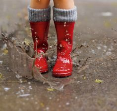Rainy Day Kids Adventure Book: Outdoor Games and Activities for the Rain, Snow and Wind (Paperback) Gross Motor Activities, Gross Motor Skills, Spring Activities, Nature Activities, Sensory Activities, Puddle Jumping, Red Rain Boots, I Love Rain, Interactive Posts