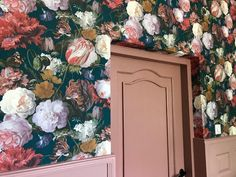 Ontbijtruimte B&B Merel en Mos Bed And Breakfast, Painting, Furniture, Home Decor, Art, Art Background, Decoration Home, Room Decor, Painting Art