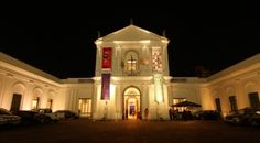 Com entrada Catraca Livre, os visitantes poderão ter acesso a exposições temporárias e até apresentações musicais, das 18h às 22h.