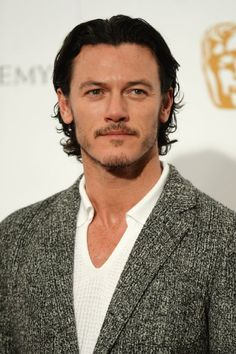 It has just been announced that the likes of Luke Evans, Armie Hammer, Cillian Murphy, Olivia Wilde and Michael Smiley will star in Ben Wheatley's acti Luke Evans The Hobbit, Luke Evans Dracula, Luke Evans Girlfriend, Luke Evans Actor, Dracula Untold, Dan Stevens, Disney Beauty And The Beast, Olivia Wilde, Ryan Guzman