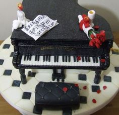 Wilton Baby Grand Piano Shape Cake Pan Kit Bench