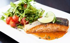 Roasted salmon fillet with tomato sauce Tea Recipes, Fish Recipes, Cooking Recipes, Healthy Recipes, Smoked Trout, Romantic Meals, Anti Inflammatory Recipes, Roasted Salmon, Salmon Fillets