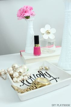 Personalize a jewelry tray with a sweet message using this DIY tutorial