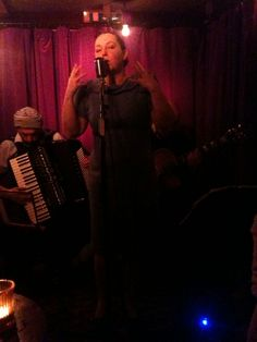 @sparrowsofparis #singer #CarolynSaintPé @GreenNote #Camden #jazz in #London #chansonfrançaise #French #music #vintage