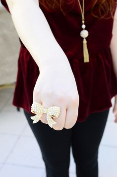 #bow #ring #pearls #gold #velvet #fashion #glamour #twinvogue