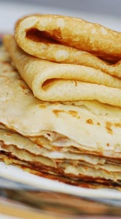 How to make crepes from scratch in a regular frying pan. Step-by-step instructi… How to make crepes from scratch in a regular frying pan. Step-by-step instructions and photos. Breakfast Desayunos, Breakfast Dishes, Breakfast Recipes, Breakfast Ideas, Mexican Breakfast, Pancake Recipes, Breakfast Sandwiches, Breakfast Healthy, Waffle Recipes