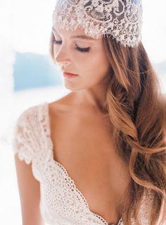 Lace bonnet #complementos #novias #velos
