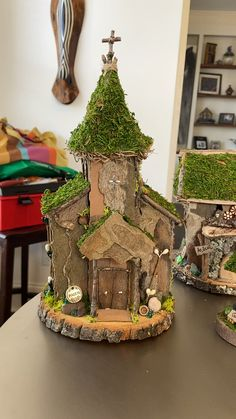 St Patrick's Day Village This is a video of all the pieces I made for the St. Patrick's Day Village. Fairy House Crafts, Fairy Tree Houses, Clay Fairy House, Fairy Village, Fairy Garden Houses, Garden Crafts, Fairy Garden Furniture, Diy Crafts Hacks, Fairy Doors