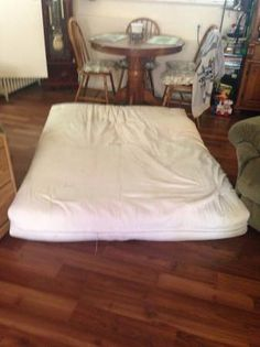 Twin Size. Great condition. Cover comes off so it's an easy wash. 5 by 6 about. Futon frame broke so no longer needing Mattress.