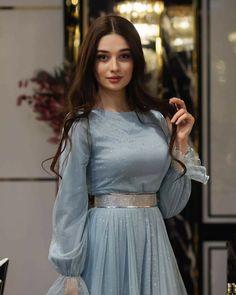 Beautiful Pakistani Dresses, Pakistani Dresses Casual, Indian Gowns Dresses, Pakistani Bridal Dresses, Indian Fashion Dresses, Pakistani Dress Design, Girls Frock Design, Fancy Dress Design, Stylish Dress Designs
