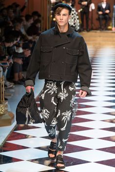 cb7a7150 82 Best Fashion images in 2019   Fashion show collection, Kenzo, Man ...