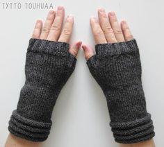 Tyttö touhuaa: Kämmekkäät Fingerless Gloves, Arm Warmers, Knit Crochet, Knitting, Mittens, Cuffs, Tricot, Fingerless Mitts, Crochet