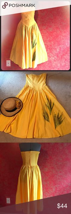 Vintage strapless dress Sunny yellow sweetheart neckline dress. Made by caktus. Made in Jamaica . Dropped waist. Soft gathering. Elastic shirring  in the back  bodice  for a comfortable fit. Top has boning. caktus Dresses Strapless