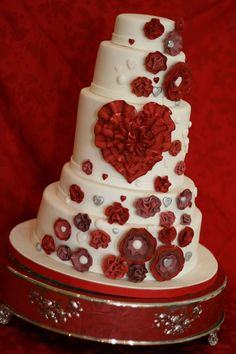 12 Best Valentine S Day Wedding Cakes Images On Pinterest