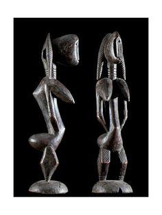 Les figurines appelées Jonyeleni sont des représentations de la femme à l'origine première du Jo. Elles sont la matérialisation de l'âme de l'entité féminine qui est à l'origine de la création des pratiques initiatiques qui organisent et maintiennent l'ordre social.