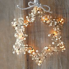 lit-up pearl star-shaped wreath thing
