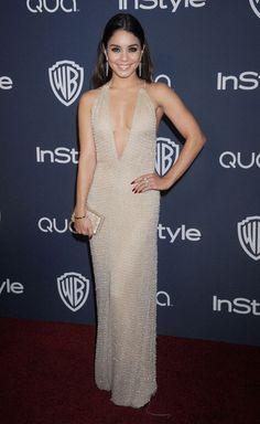 VANNESA HUDGENS  La actriz no se perdió el afterparty que organizó InStyle y Warner Bros. Allí lució un hermoso vestido Giorgio Armani de cu...