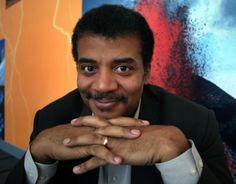 Neil DeGrasse Tyson es uno de los astrofísicos más relevantes de nuestra era. Descubre qué libros recomienda para un crecimiento personal