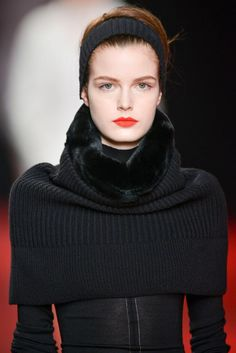 detail nina ricci - knitted black ! - fw13