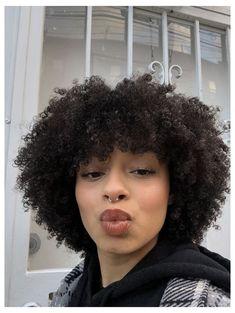 Natural Hair Bangs, 3c 4a Hair, Short Natural Curly Hair, Curly Hair With Bangs, Coily Hair, Curly Hair Cuts, Short Curly Haircuts, Hairstyles With Bangs, Curly Hair Styles