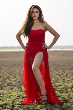 Telugu actress Sony Charishta hot photos in red dress. Tollywood actress Sony Charishta hot pics in red dress Strapless Dress Formal, Formal Dresses, Tight Dresses, Red Skirts, Dress Picture, Indian Celebrities, Hottest Photos, Indian Beauty, Indian Actresses