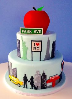 New York City themed Cakes | New York City themed cake celebrates a couples favorite location.