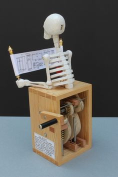 thesecret-Automata - Mechanical Sculpture, Collectible Automaton hand-made in limited numbers - Kinetic Toys, Kinetic Art, Cool Woodworking Projects, Diy Projects, Bandsaw Projects, Rolling Ball Sculpture, Wood Carving Patterns, Mechanical Design, Wood Toys