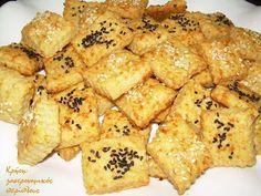 Σε ελάχιστο χρόνο και με ελάχιστα υλικά, κι όμως αρέσουν!  Έχω πουλιά κι αυγά! Αυτή την έκφραση χρησιμοποιούμε στα μέρη μας όταν έχουμε πολλές δουλειές. Μάλλον είναι απομεινάρι εποχών που τα … Koulourakia Recipe, Cookie Dough Pie, Greek Appetizers, Savoury Biscuits, Bread And Pastries, Greek Recipes, Other Recipes, Cooking Time, Finger Foods