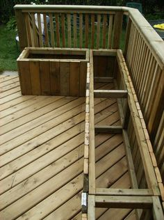 DIY deck and storage boxes/seating Bench for exercise room. Just make it wider t… DIY deck and storage boxes/seating Bench for exercise room. Just make. Deck Bench Seating, Outdoor Seating, Diy Garden Seating, Built In Garden Seating, Balcony Bench, Outdoor Bars, Pallet Seating, Seating Plans, Backyard Seating