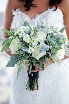 beautiful wedding bouquet with succulents #weddingflowers #weddingbouquets #weddingideas #weddingtrends