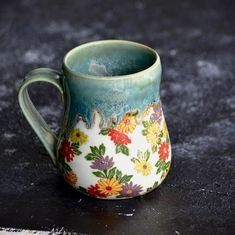 cute mugs pattern Check out these coffee mugs that you should really buy Pottery Mugs, Ceramic Pottery, Ceramic Art, Ceramic Mugs, Thrown Pottery, Slab Pottery, Ceramic Bowls, Porcelain Ceramic, Cerámica Ideas