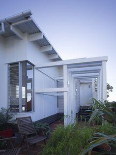 Flinders | Base Architecture | Brisbane - Australia