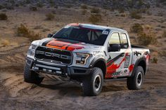 2017 Ford Raptor Race Truck: The Blue Oval revealed today the racing version of their high-performance 2017 Ford Raptor pickup truck. The 2017 Ford Ford F150 Raptor, Raptor Car, 2017 Raptor, Hors Route, Offroader, Used Ford, Truck Art, Cool Trucks, Courses